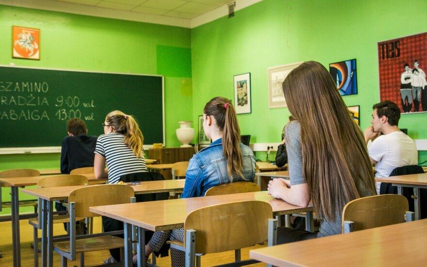 Šimtukus per brandos egzaminus gavo daugiau kaip 1,9 tūkst. moksleivių