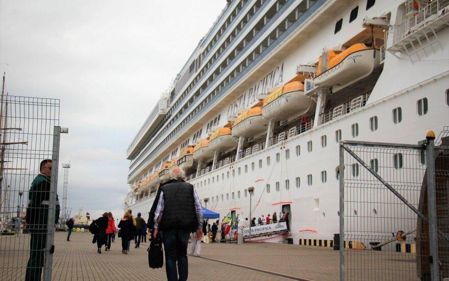 Ar tiesa, kad kruiziniai laivai palieka vėluojančius keleivius uoste?