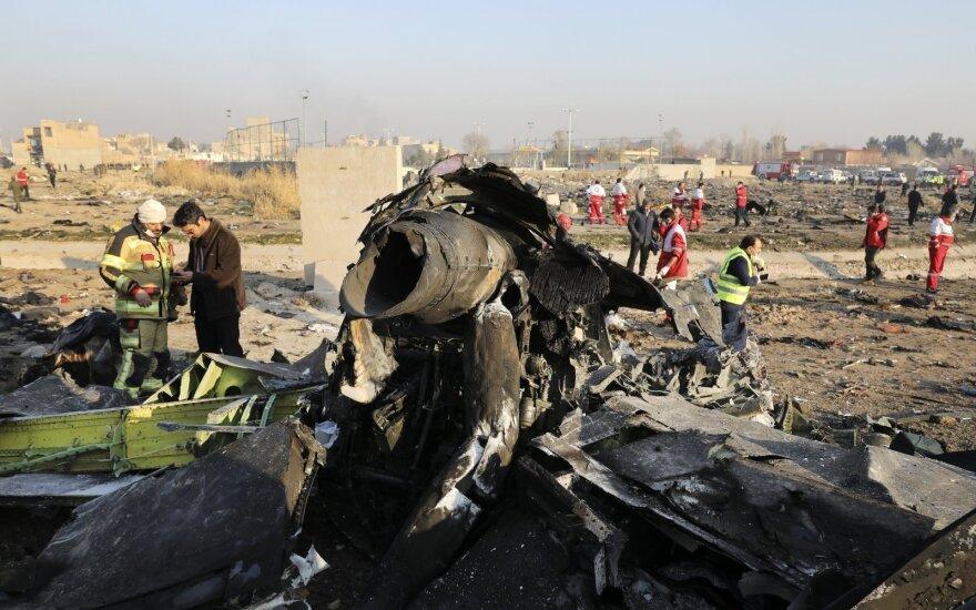 Kanada ragina Iraną perduoti numušto Ukrainos lėktuvo juodąsias dėžes Prancūzijai