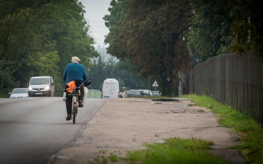 Ieškomas pėsčiąją kliudęs dviratininkas