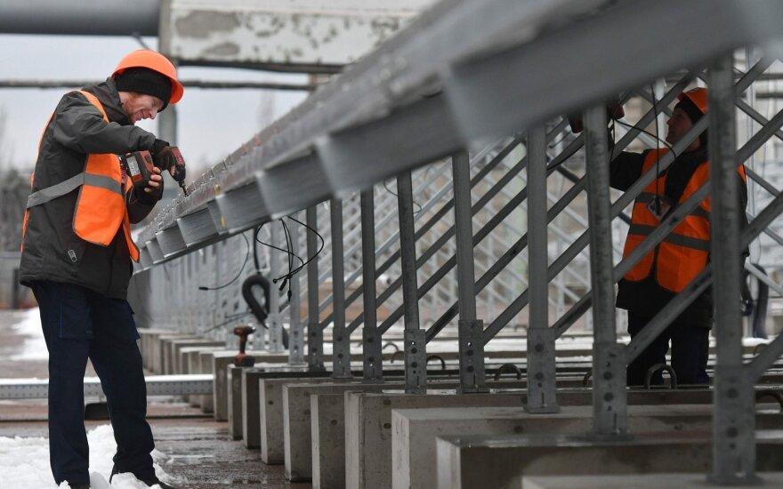 Imigracija į Lietuvą toliau auga: didėja konkurencija dėl darbo vietų, gali grėsti problemų