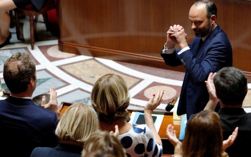Besitęsiant protestams šalyje, Prancūzijos vyriausybė pristatė pensijų reformos planus