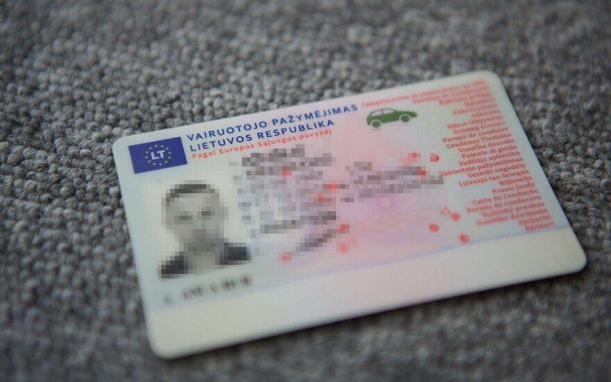 Keisdamas vairuotojo pažymėjimą susidūrė su netikėta problema