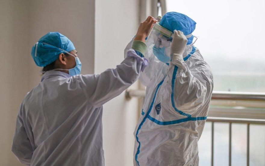 Koronavirusas ir toliau šienauja gyvybes: mirčių skaičius perkopė 1500, užsikrėtusių – daugiau, nei 66 tūkst.