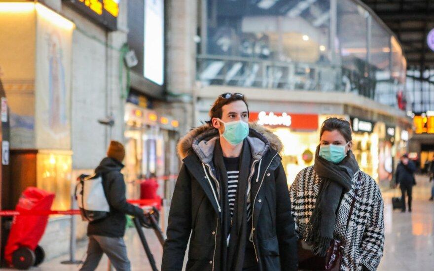 Kinijos Italijai siųstos medicininės kaukės konfiskuotos Čekijoje