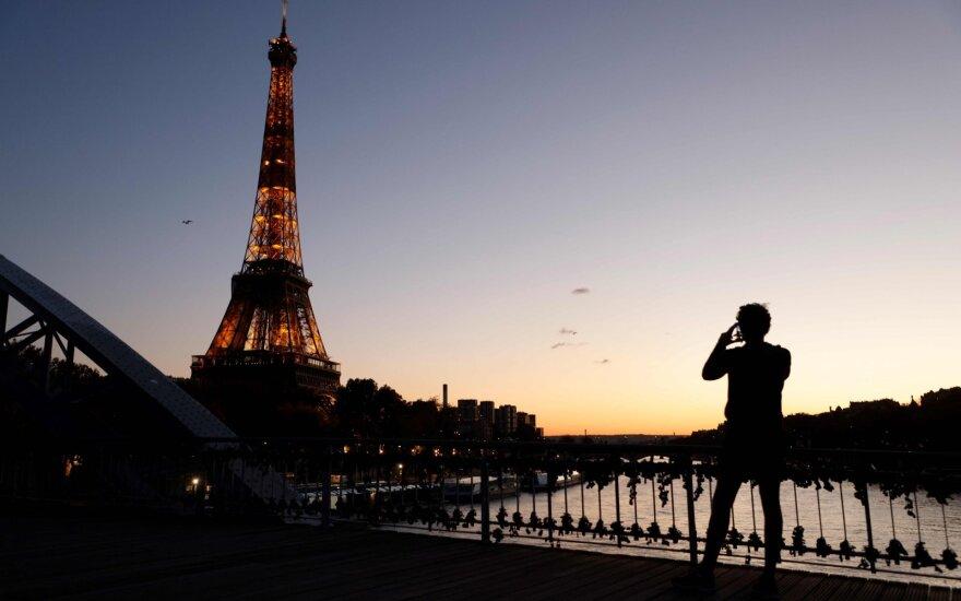 Prancūzijos valdžia yra labai susirūpinusi dėl naujosios atmainos koronaviruso