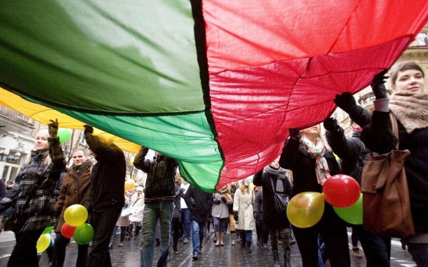 Kariuomenė kviečia į renginius, skirtus Nepriklausomybės atkūrimo metinėms