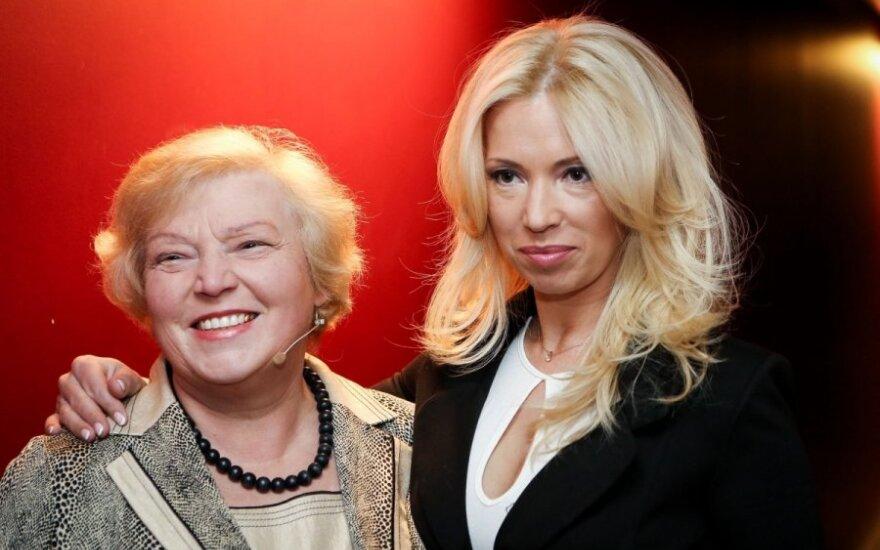 Gintarė Karaliūnaitė su mama
