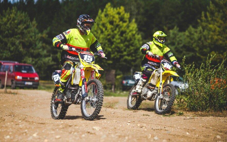 Žinomiems vyrams kroso motociklai tapo iššūkiu