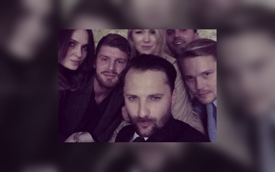 Asta Valentaitė, Dovydas Redikas, Vaida Klizaitė-Jasaitienė ir Mantas Petruškevičius su draugais