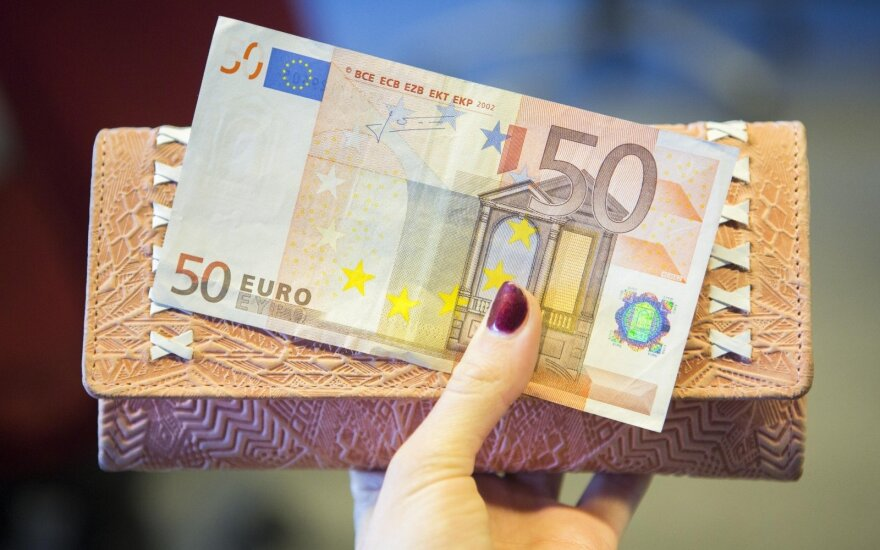 Lithuanian wage growth fastest since financial crisis