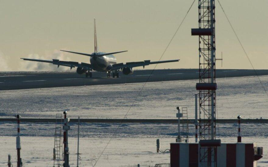 Varšuvos oro uoste avariniu būdu leidosi rusų lėktuvas