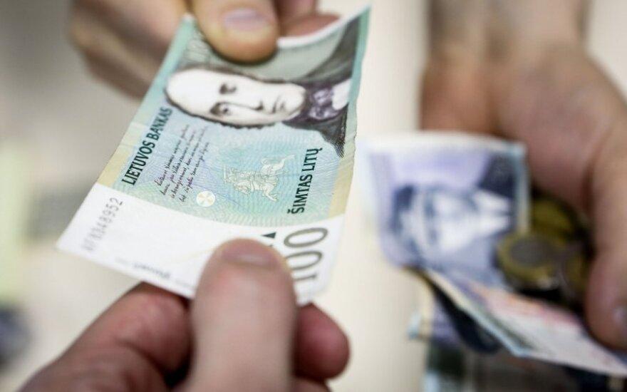 Reprezentacijai skirtas pinigines atvėrė tik vidaus reikalų ir energetikos ministrai