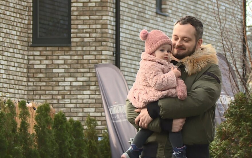 Arūnas Valinskas jaunesnysis su dukrele