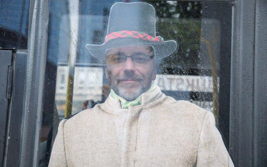 Norėjo, kad Seimo nariai parodytų pavyzdį visuomenei – peticiją dėl tautinio kostiumo atmetė
