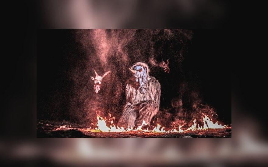 """Bauginančios išvaizdos velniai kviečia į ugnies festivalį """"Pasaka"""""""