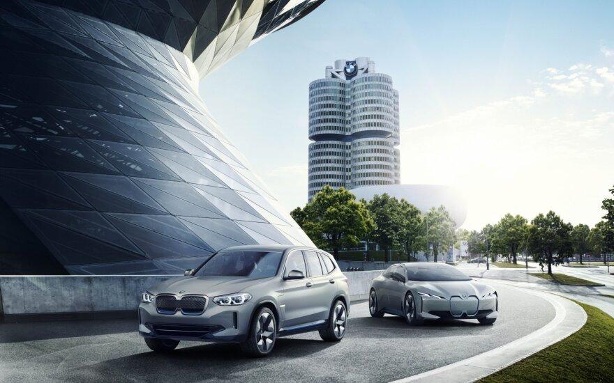 BMW rengiasi išleisti pirmą elektrinį visureigį