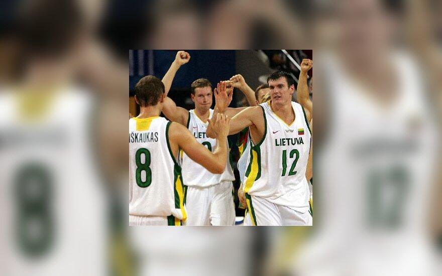 Lietuviai džiaugiasi pergale