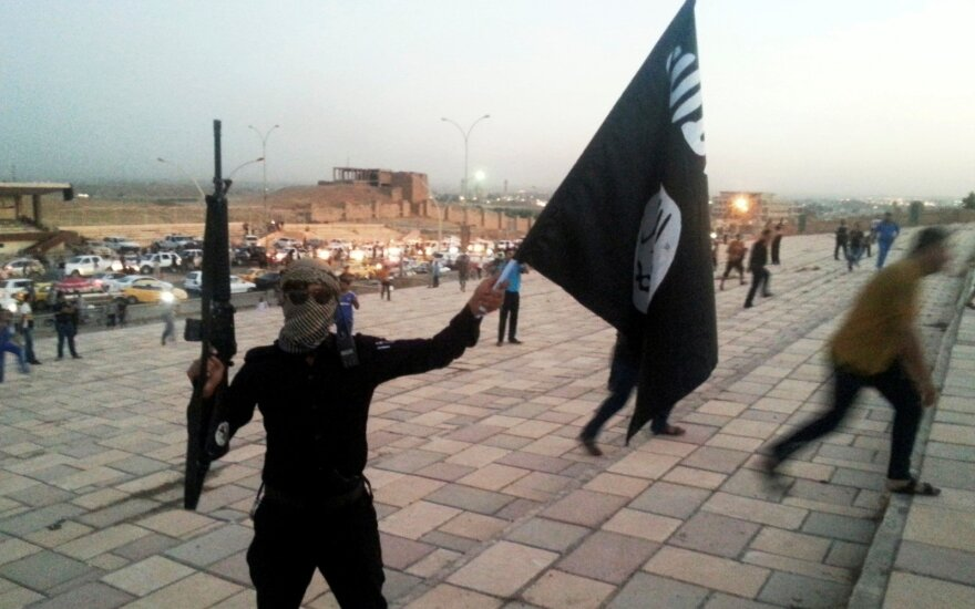 At the grips of the ISIS