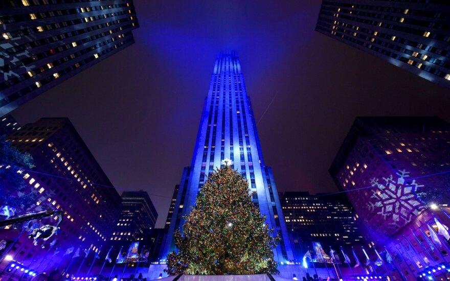 Niujorke įžiebta garsioji Kalėdų eglė
