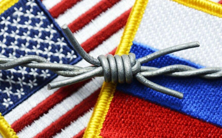Tyrimas: JAV ir Rusija mažina, tačiau modernizuoja savo branduolinį arsenalą