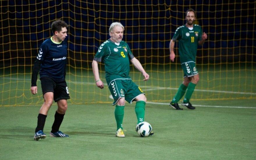 Su kamuoliu - komentatorius Nerijus Kesminas