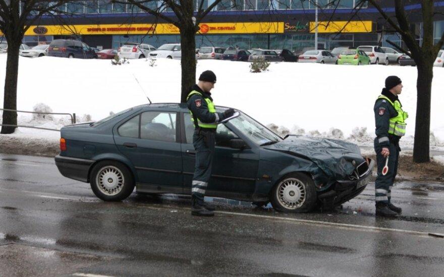 Taksi ir BMW avarija Kareivių g.