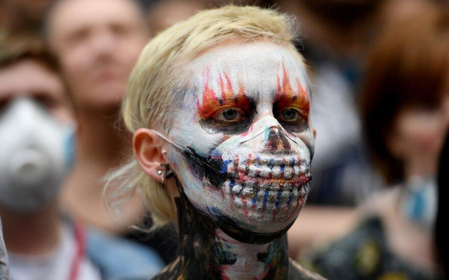 Australai išėjo į gatves protestuoti dėl krūmynų gaisrų dūmų poveikio sveikatai
