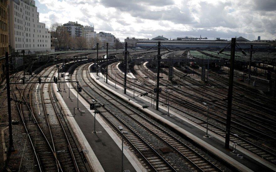 Paryžiuje traukinyje pagimdė moteris