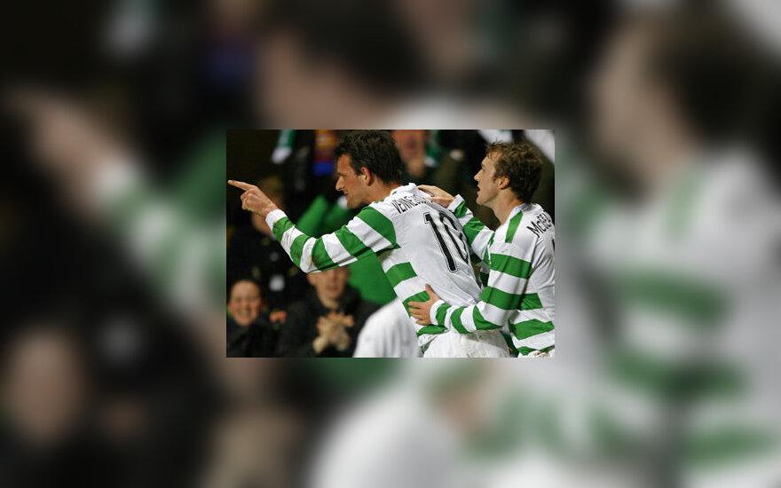 "Jan Vennegoor of Hesselink ir Stephen McManus (""Celtic"")"
