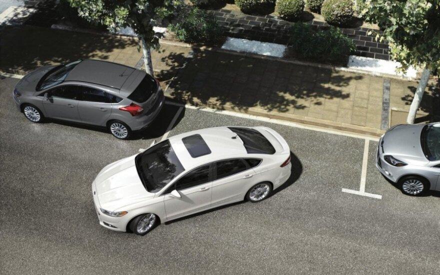 Automatiškai pasistatantis automobilis