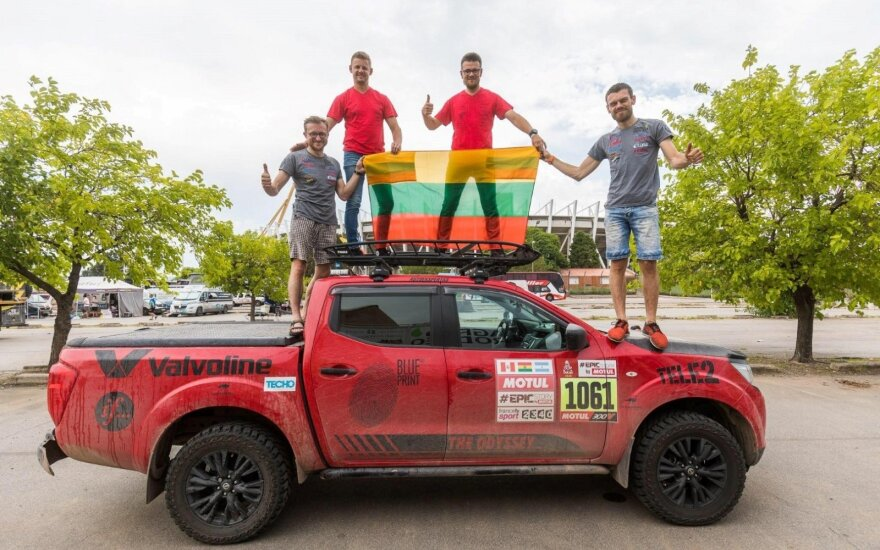 """Neeilinis """"Nissan Navara"""" išbandymas: 8500 kilometrų per dvi savaites"""