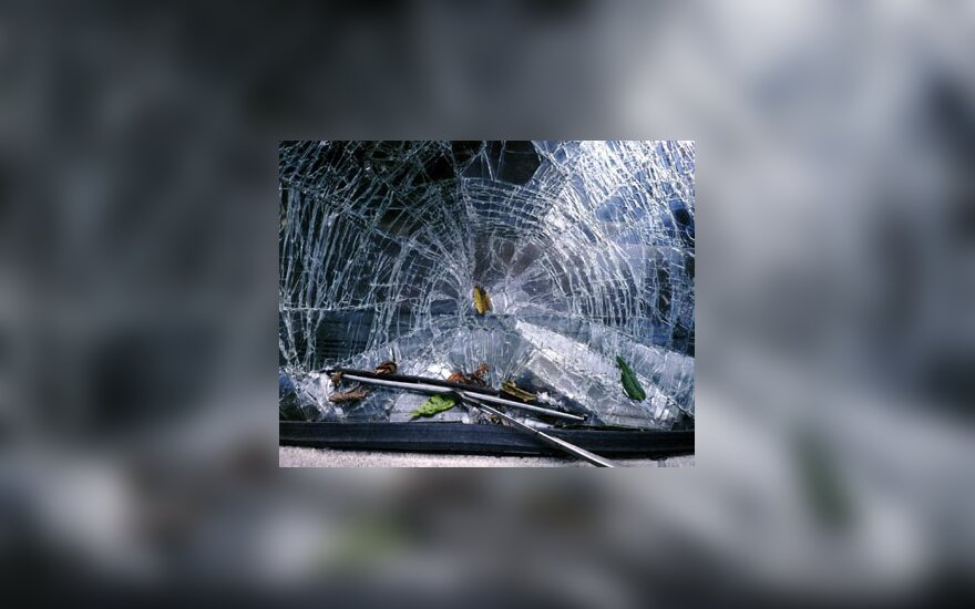 Avarija, sudužęs stiklas