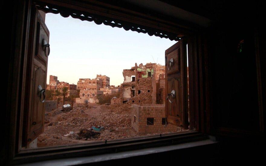 Jemene per mirtininko išpuolį žuvo 10 karių