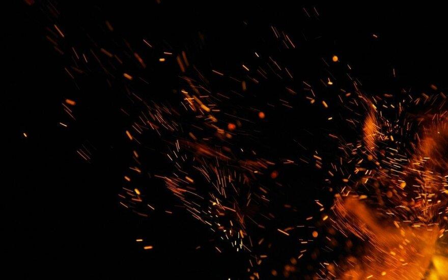 Skuodo rajone atvira liepsna dega daržinė