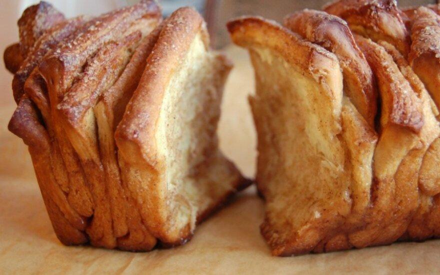 Cinamoninių juostelių pyragas