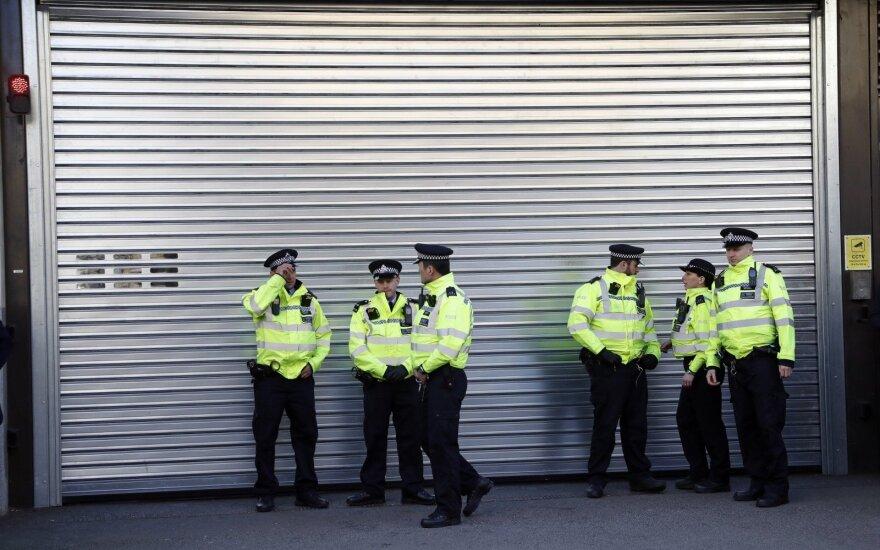 JK policija areštavo 4 Šri Lankos piliečius, įtariamus ryšiais su ekstremistais