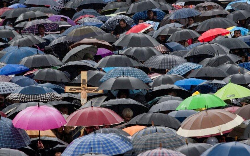 Juodkalnijoje įvyko masinis protestas prieš Bažnyčios turto nusavinimą