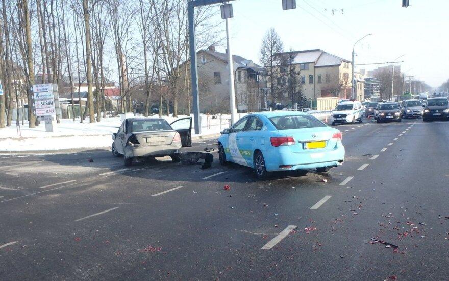 Per avariją Kaune sužalotas vairuotojas