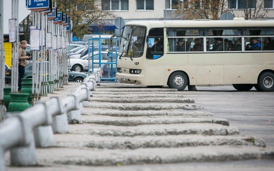 Neįtikėtina: 35 pabėgėliai išsinuomojo autobusą ir spruko iš Lietuvos