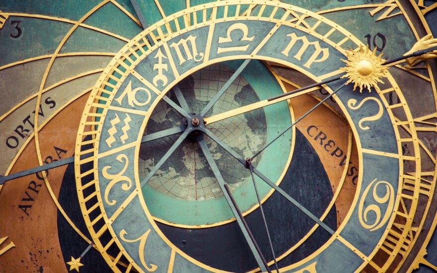 Astrologės Lolitos prognozė rugpjūčio 19 d.: aktyvi, energinga pažinčių ir susitikimų diena