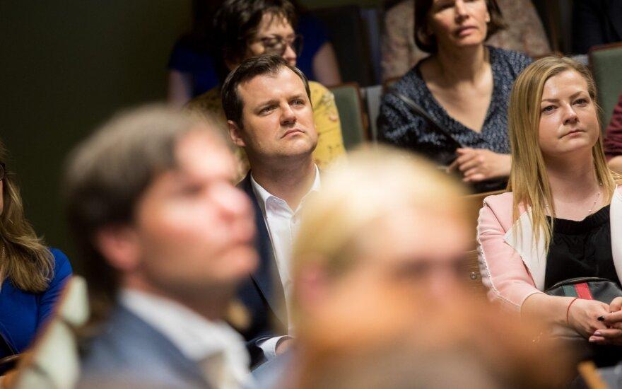 LSDP pirmininkas: uždirbantys per 3000 eurų turėtų negauti jokios mokestinės naudos