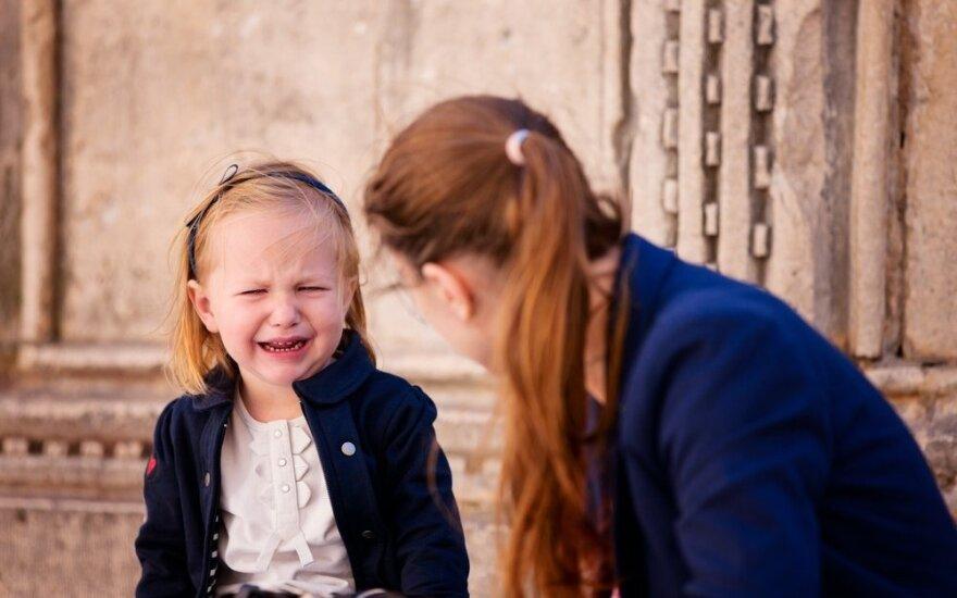 50 dalykų, dėl kurių mūsų vaikai tampa neurotikais, bet mes vis tiek tai darome