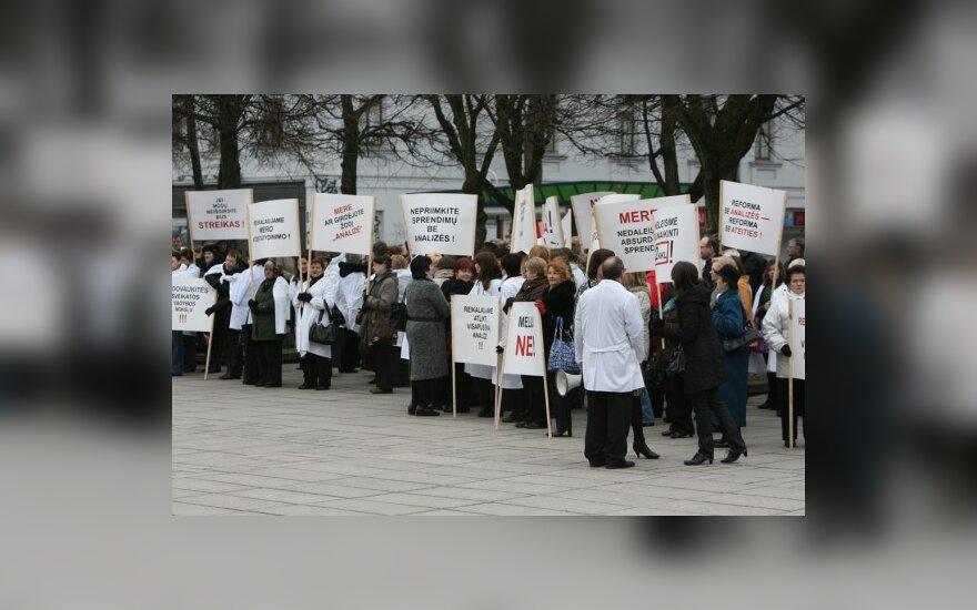 Kauno II klinikinės ligoninės darbuotojų mitingas