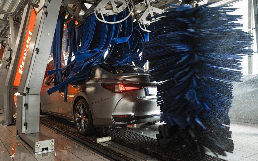 Automobilių plovykloje subraižė automobilį: ką daryti, kad taip nenutiktų