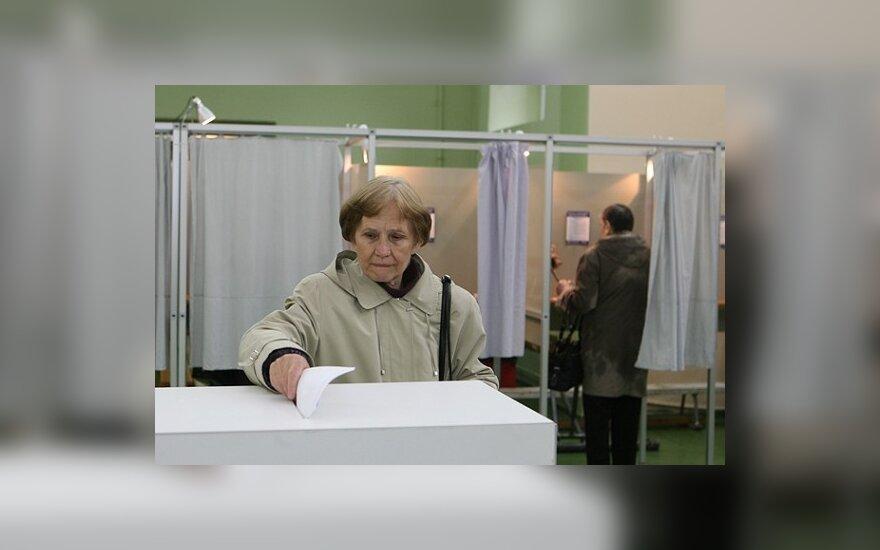 Socialliberai teigia dėl referendumo surengimo surinkę 200 tūkst. parašų