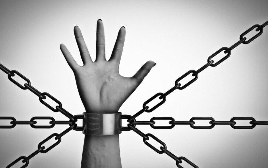 Auksu tviskanti Europa: atvira prekybos žmonėmis aukos išpažintis