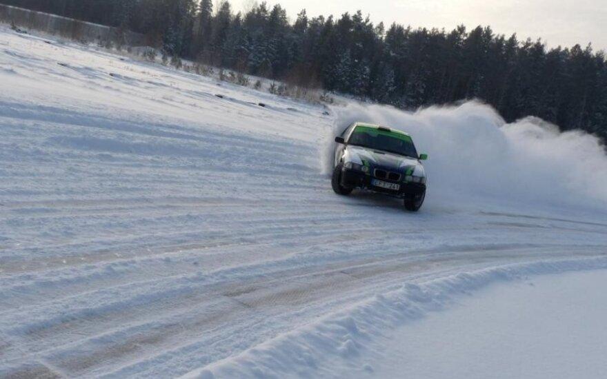 Automobilių žiemos slalomo lenktynės