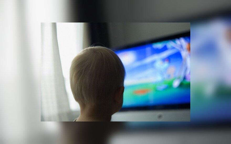Dėl nuolat įjungto televizoriaus trimečiai neišmoksta kalbėti