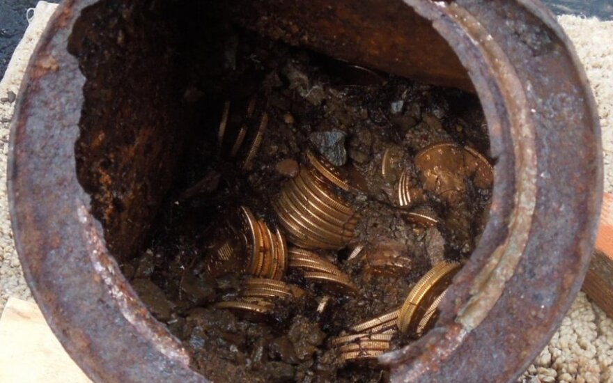 Britai lobių ieškotojai aptiko senų keltų papuošalų